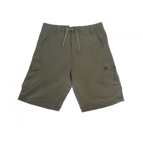 Walkshorts fra Billabong. (str. 34)