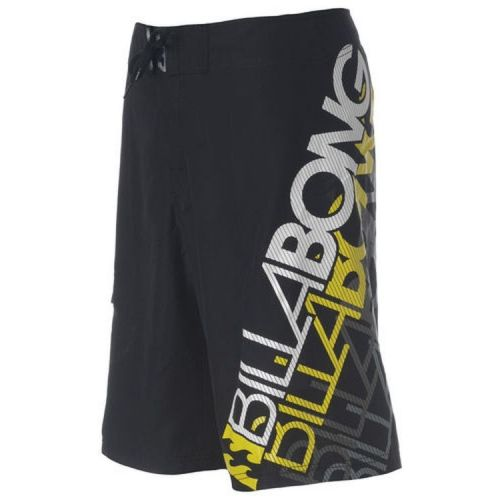 Sort Billabong boardshorts. (str. 36)